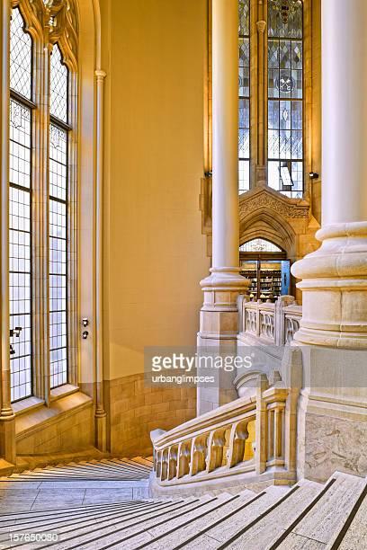 ワシントン大学 suzzallo ライブラリー - ワシントン大学 ストックフォトと画像