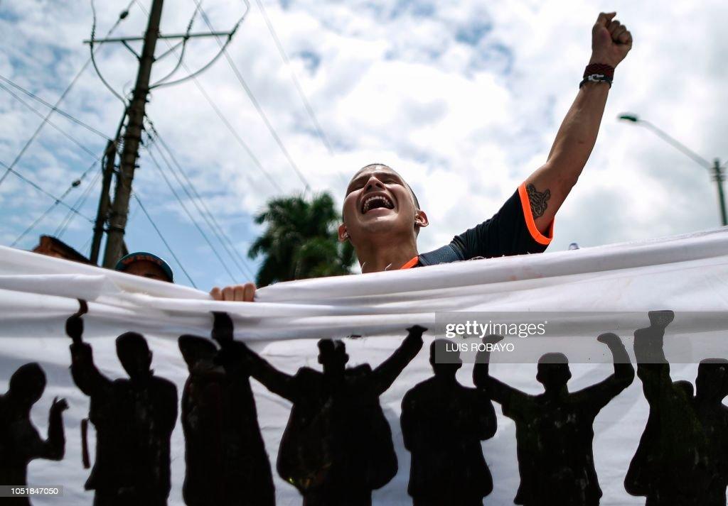 TOPSHOT-COLOMBIA-EDUCATION-UNIVERSITY-DEMO : News Photo