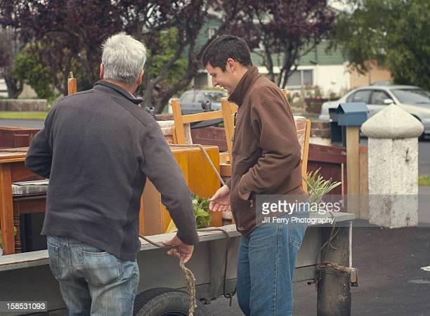 Unloading a trailer