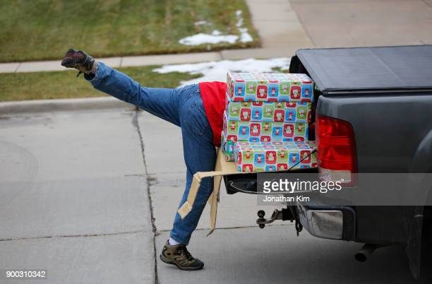 Unloading Christmas gifts