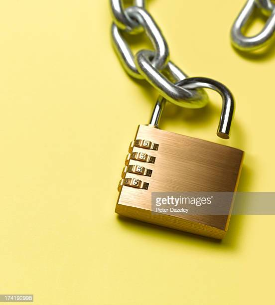 Unlocked combination lock with chain