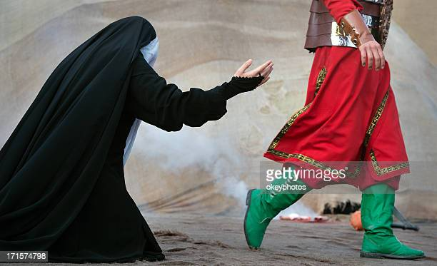 unrecognized muslim woman and man - headless man stock pictures, royalty-free photos & images