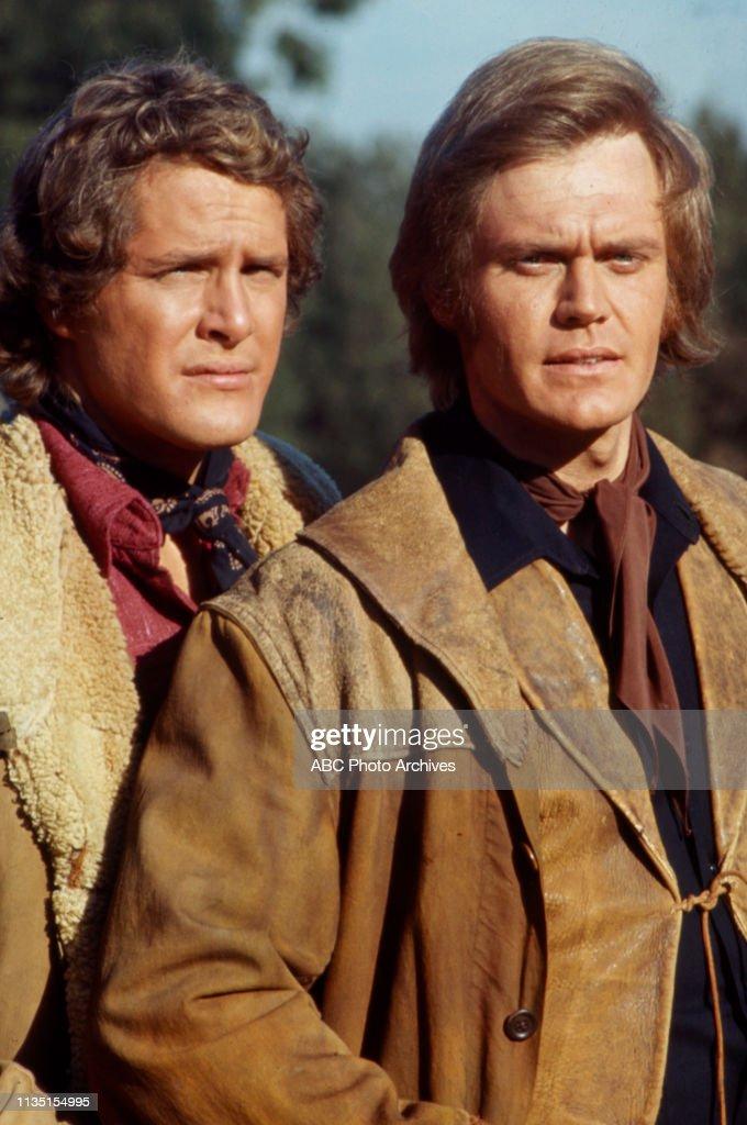 Ben Murphy, Roger Davis Appearing In 'Alias Smith And Jones' : Fotografía de noticias