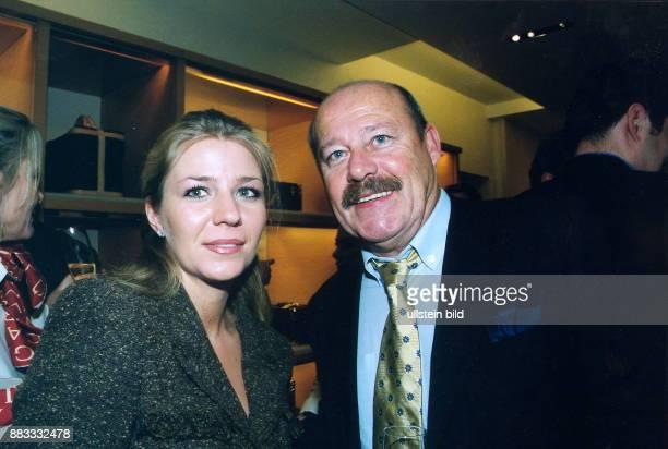 Unternehmer Immobilienmakler D Geschäftsführer der Firma Klingbeil in Berlin mit seiner Ehefrau Silja 2000