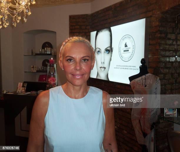 Unternehmerin Natascha Ochsenknecht aufgenommen bei der Eröffnung vom ihrem Shop Luxus Lashes in Berlin Schöneberg