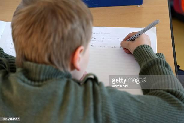 Unterricht in einer Grundschule Achtung KEIN ModelRelease vorhanden nur zur redaktionellen Verwendung