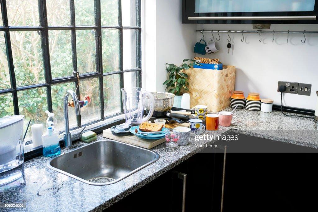 Untidy kitchen worktop : Stock-Foto