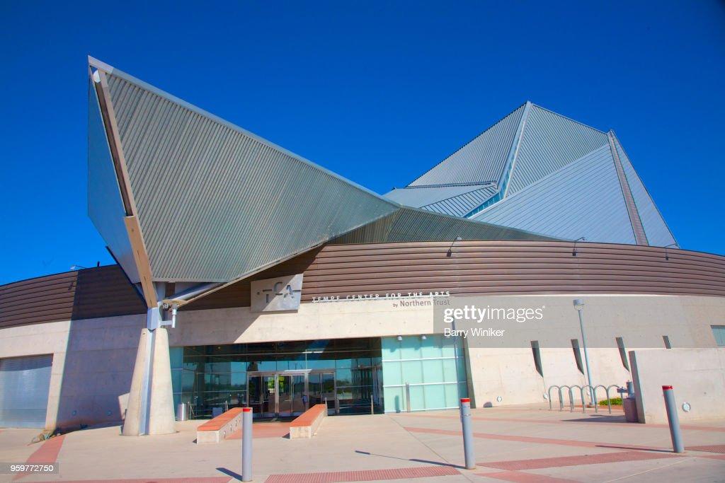 Unusual roof shape of art center in Tempe, AZ : Stock-Foto