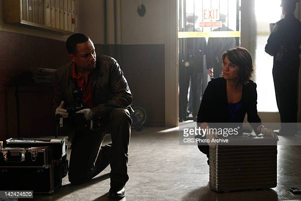 'Unwrapped' Dr Sheldon Hawkes and Det Lindsay Messer investigate when the CSIs are called to a Brooklyn housing project to investigate the murder of...