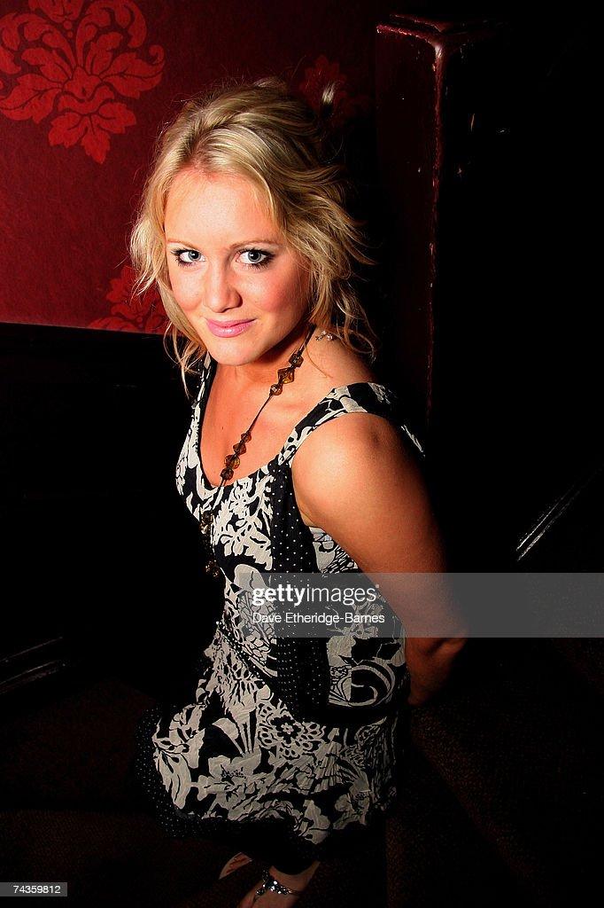 Jenny Lynn Smith Plays The Regal Room : News Photo