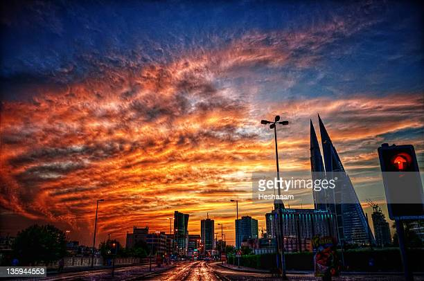 upheaval in manama - manama stock pictures, royalty-free photos & images