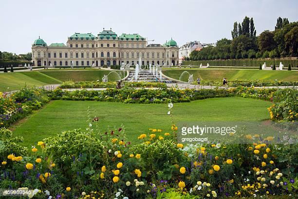 Parte superior y jardines del Palacio Belvedere en Viena, Austria