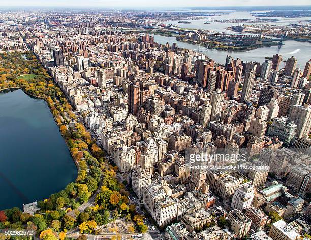 upper east side and central park from above - アッパーイーストサイドマンハッタン ストックフォトと画像