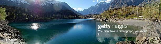 upper kachura lake in skardu, pakistan - gilgit baltistan stock photos and pictures