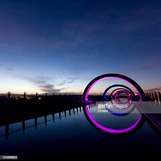 upper section of falkirk wheel at night. - central scotland stock pictures, royalty-free photos & images