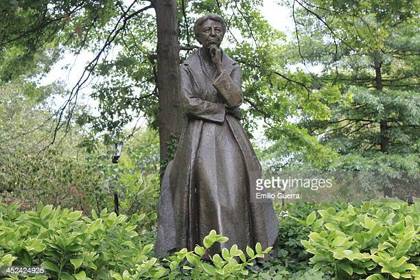 Upper West Side, Manhattan, New York City, New York, United States The monument, honoring humanitarian and First Lady Anna Eleanor Roosevelt , was...