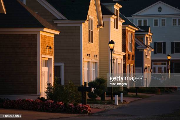 upscale homes and street lights - norfolk virginia stock pictures, royalty-free photos & images