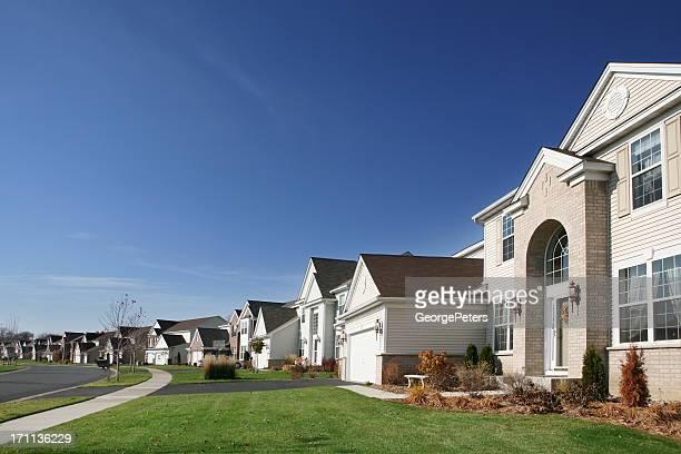 Upscale suburbanos Street