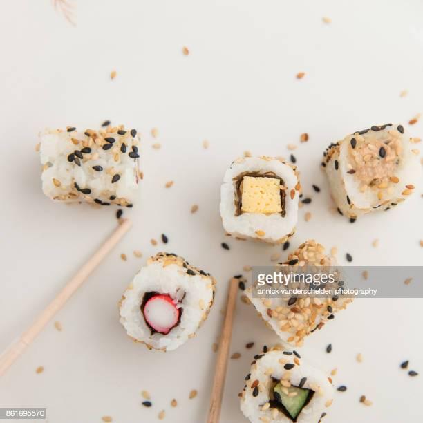 Uramaki sushi.
