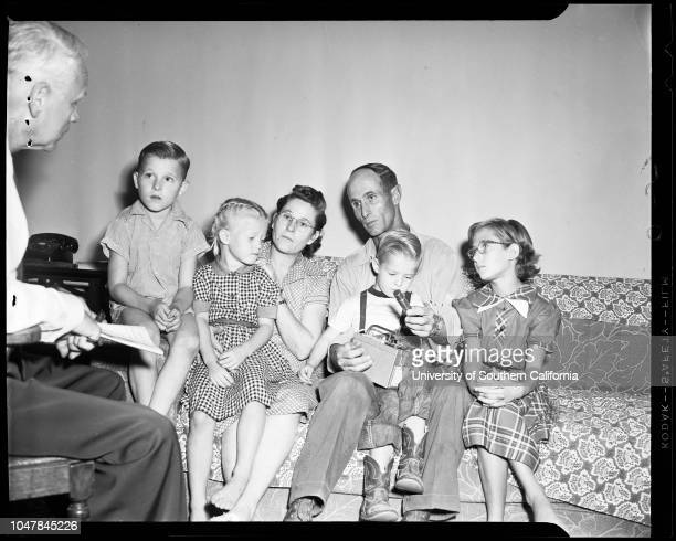 Uranium story, 28 September 1954. Mrs Frances Bartlett -- 21 years;Jon Donnie Bartlett -- 17 months;Donald C Bartlett;Edwin Musick -- 7 years;Mrs...