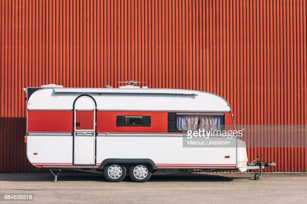 urban camping - trailer stock pictures, royalty-free photos & images