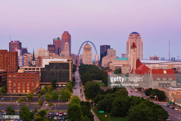 urban cityscape - st. louis missouri stock pictures, royalty-free photos & images