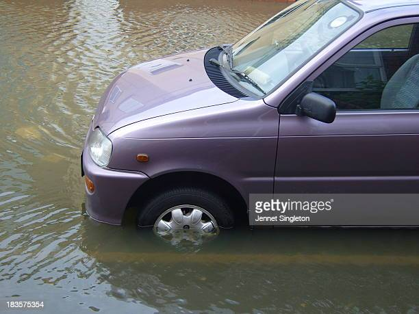 Urban flooding in Wakefield after torrential rain in June 2007 threatens to engulf my then car, a Daihatsu Cuore.