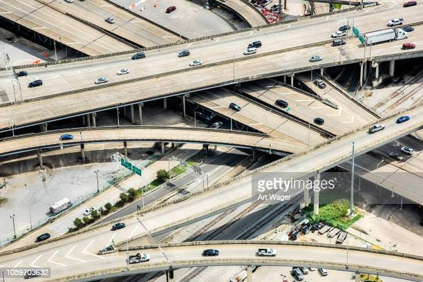 urban freeway interchange aerial - mississippi river stock pictures, royalty-free photos & images