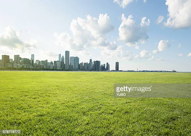 urban lawn - natural parkland stock pictures, royalty-free photos & images