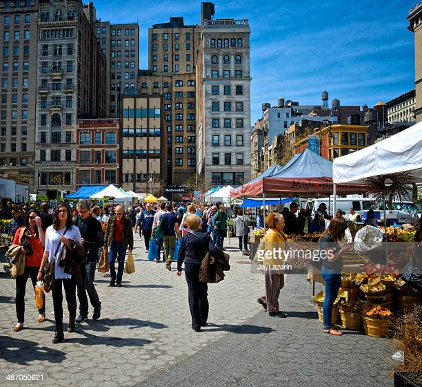 都会の生活、ニューヨークシティー、greenmarket 、ユニオンスクエア、マンハッタン - ユニオンスクエア ストックフォトと画像