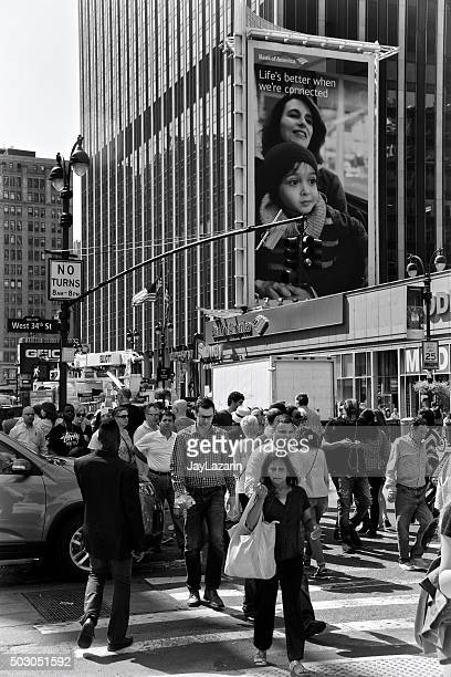 urban life, new york city, pedestrians crossing near traffic, manhattan - next to stock pictures, royalty-free photos & images