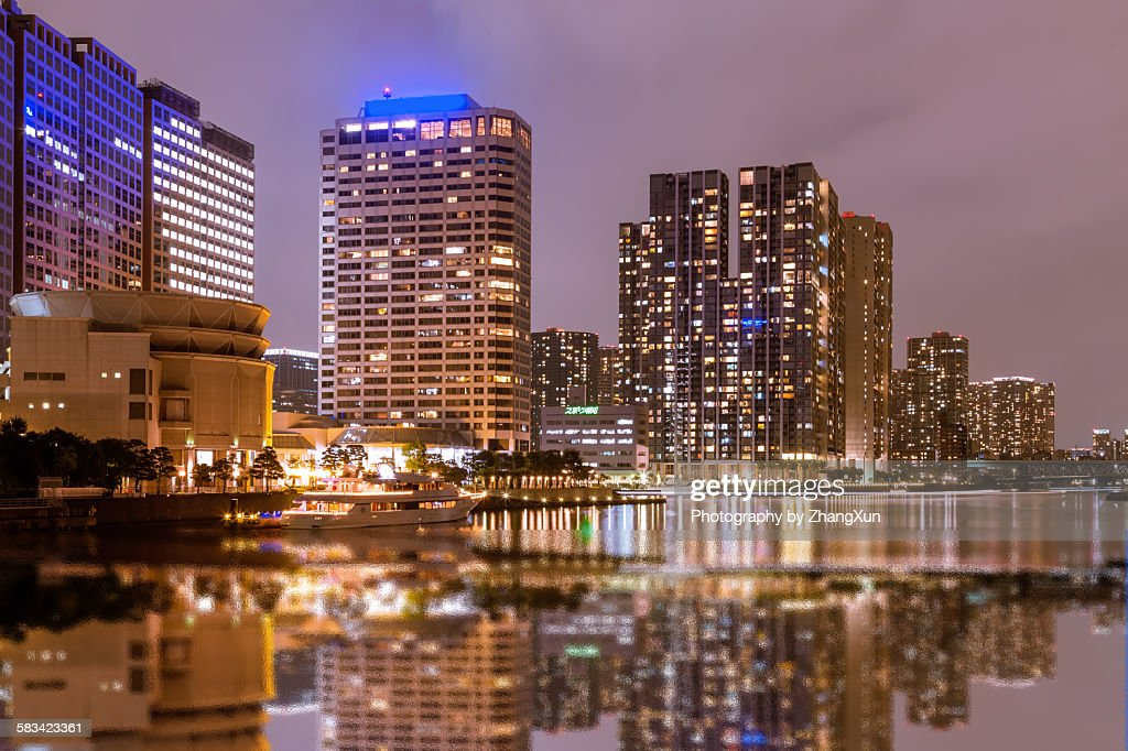 Urban longexplore night view of Shinagawa Tokyo : Stock Photo