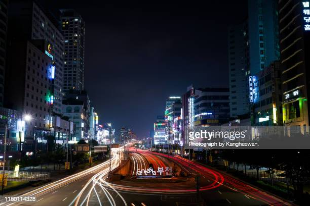 urban road in night - south korea stock pictures, royalty-free photos & images