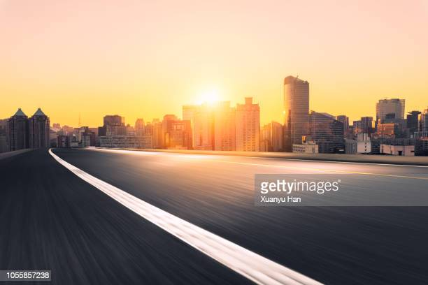 urban road - urban road stock pictures, royalty-free photos & images