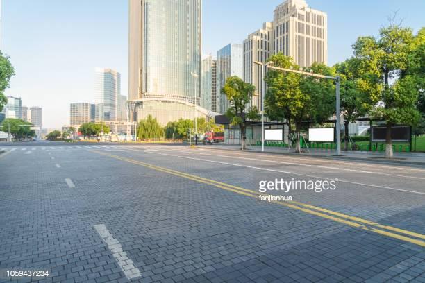 urban road - 市街地の道路 ストックフォトと画像