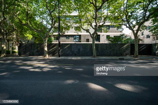 urban road - boulevard stock pictures, royalty-free photos & images
