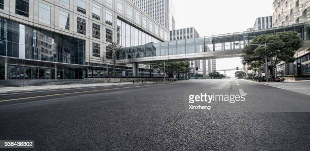 urban road - elevated walkway stock pictures, royalty-free photos & images