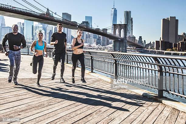 Urban Läufer-New York-Brooklyn Bridge