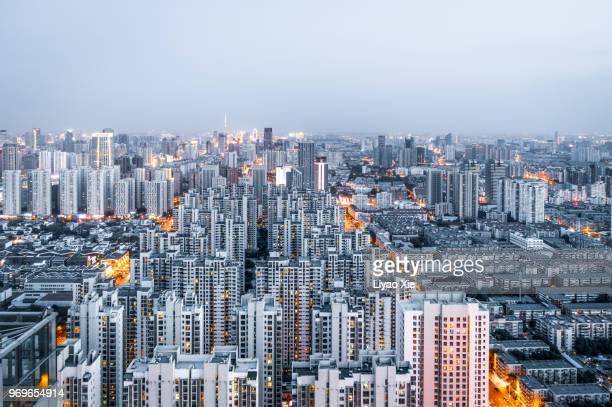 urban skyline - urban sprawl stock pictures, royalty-free photos & images