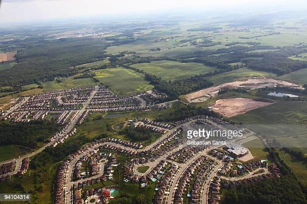urban sprawl - ontario canada stock pictures, royalty-free photos & images