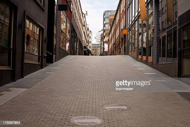 urban street - avenue stock pictures, royalty-free photos & images