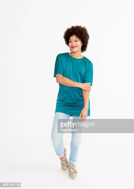 urban woman standing - full length stock pictures, royalty-free photos & images