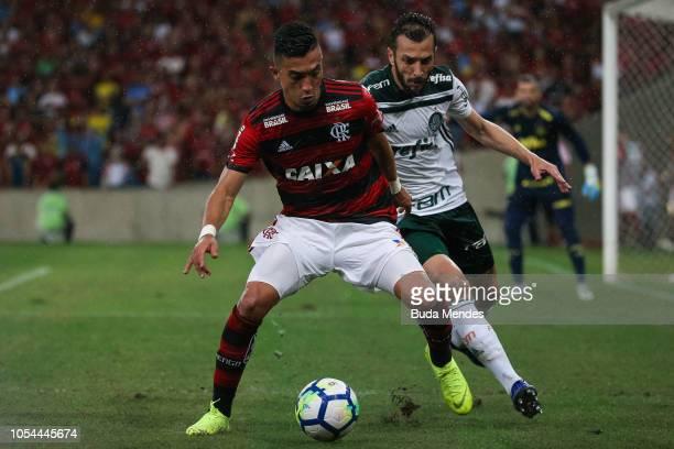Uribe of Flamengo struggles for the ball with Edu Dracena of Palmeiras during a match between Flamengo and Palmeiras as part of Brasileirao Series A...