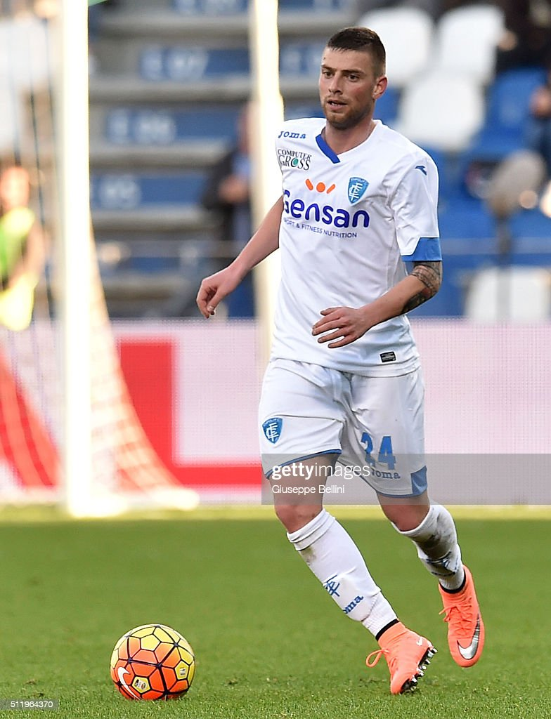 Uros Cosic of Empoli in action during the Serie A match between US...  Nachrichtenfoto - Getty Images