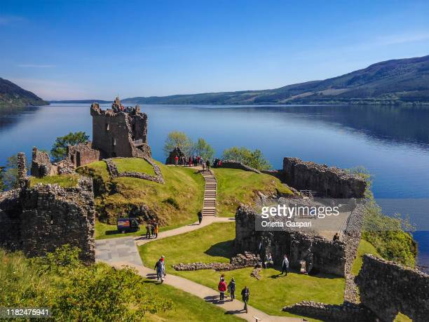 urquhart castle, loch ness, scotland - loch ness stock pictures, royalty-free photos & images