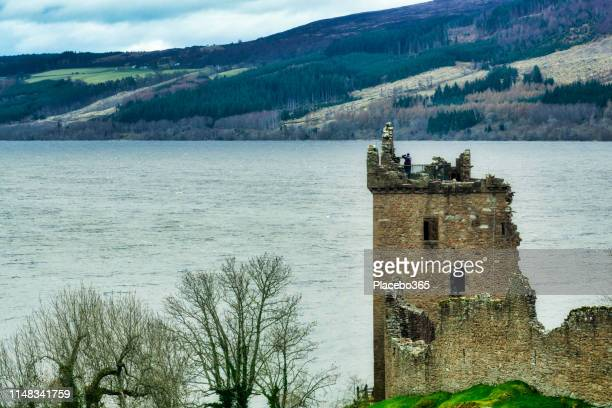 urquhart castle, loch ness, scottish highlands near drumnadrochit, uk - loch ness stock photos and pictures