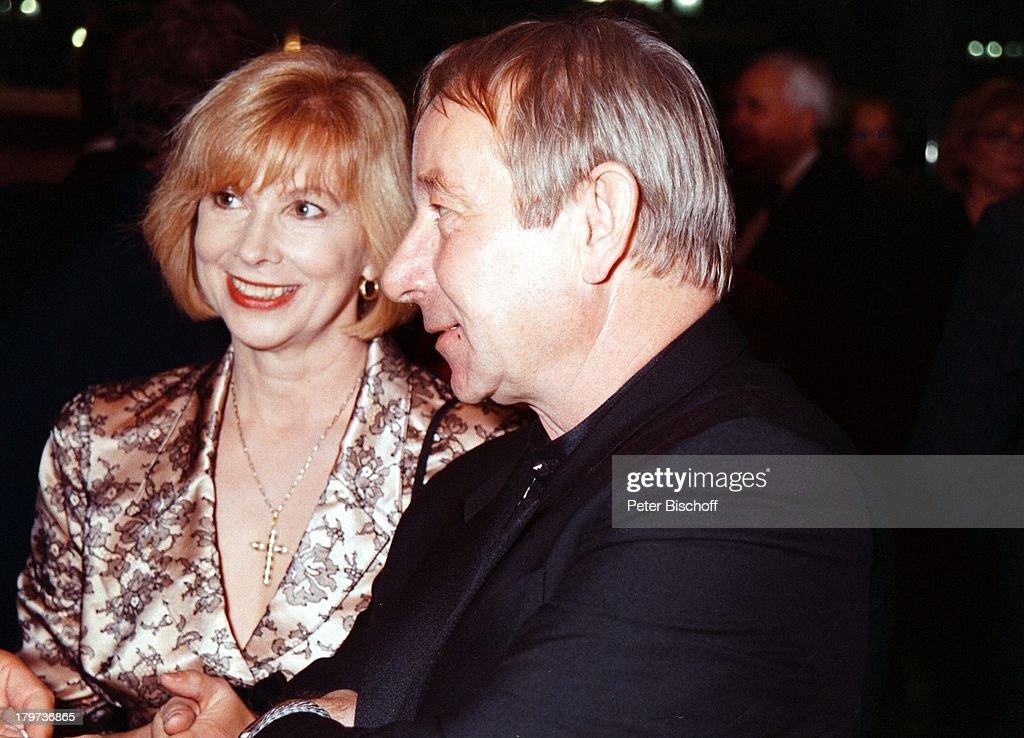 Ursela Monn mit Ehemann Michael Wintzer,;Telestar-Verleihung 97, News Photo - Getty Images