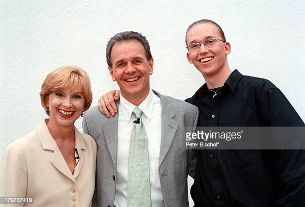 Ursela Monn mit Sohn Mark und Fritz Egner SAT 1Show Vorsicht Kamera