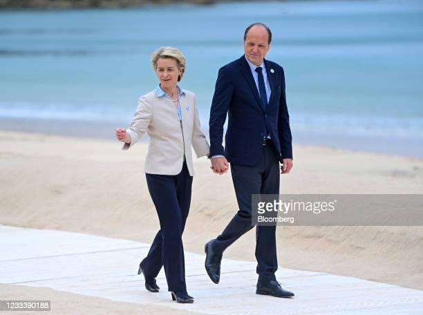 Ursula von der Leyen, president of the European Commission, left, and Heiko von der Leyen, husband of European Commission Ursula von der Leyen,...