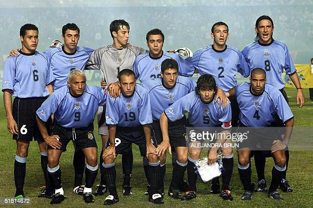 Uruguayan national soccer team players pose before their 2002 FIFA World Cup qualifying soccer match against Peru 04 September 2001 in Lima AFP...